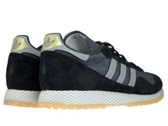 Q2212 adidas New York Core Black/Gum